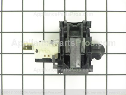 Frigidaire Latch Assembly 154671402 from AppliancePartsPros.com