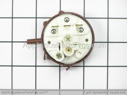 Frigidaire Switch 134433701 from AppliancePartsPros.com