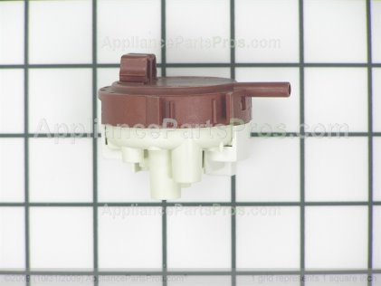 Frigidaire Switch 134844501 from AppliancePartsPros.com