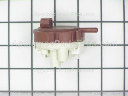 Frigidaire Switch 134844501 from AppliancePartsPros.com