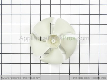 Whirlpool Blade-Fan 8205458 from AppliancePartsPros.com
